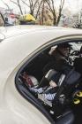 foteliki  samochodowe - Mobilny fotelik samochodowy Doona+  szary