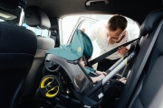 foteliki  samochodowe - Mobilny fotelik samochodowy Doona+  turkusowy